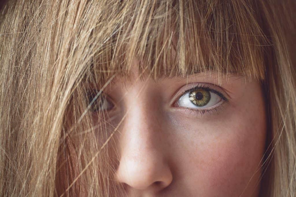 ילדה לפני הטיפול